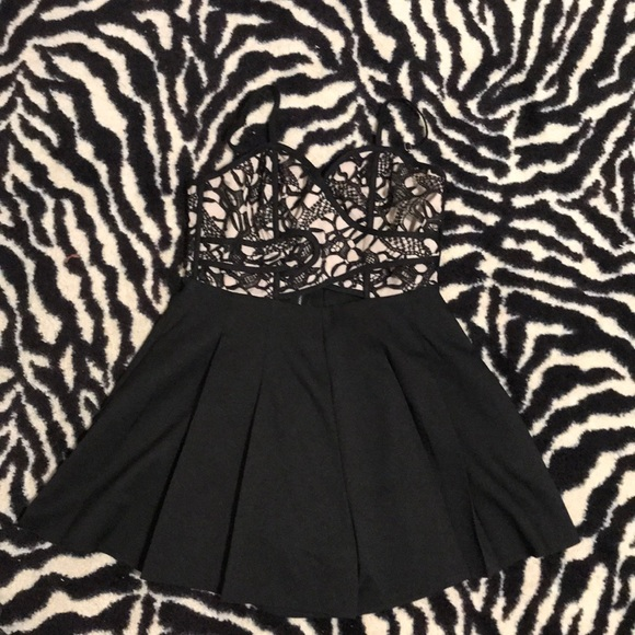 158dbb6c3a5 Luxxel Dresses